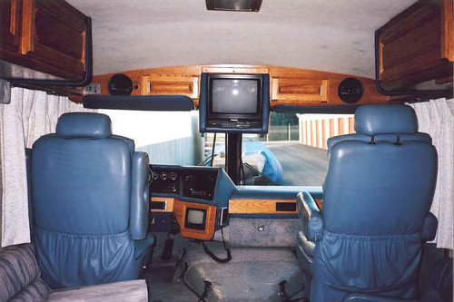 1990 Revcon 29' RV Motorhome Great Condition! - Only $17k